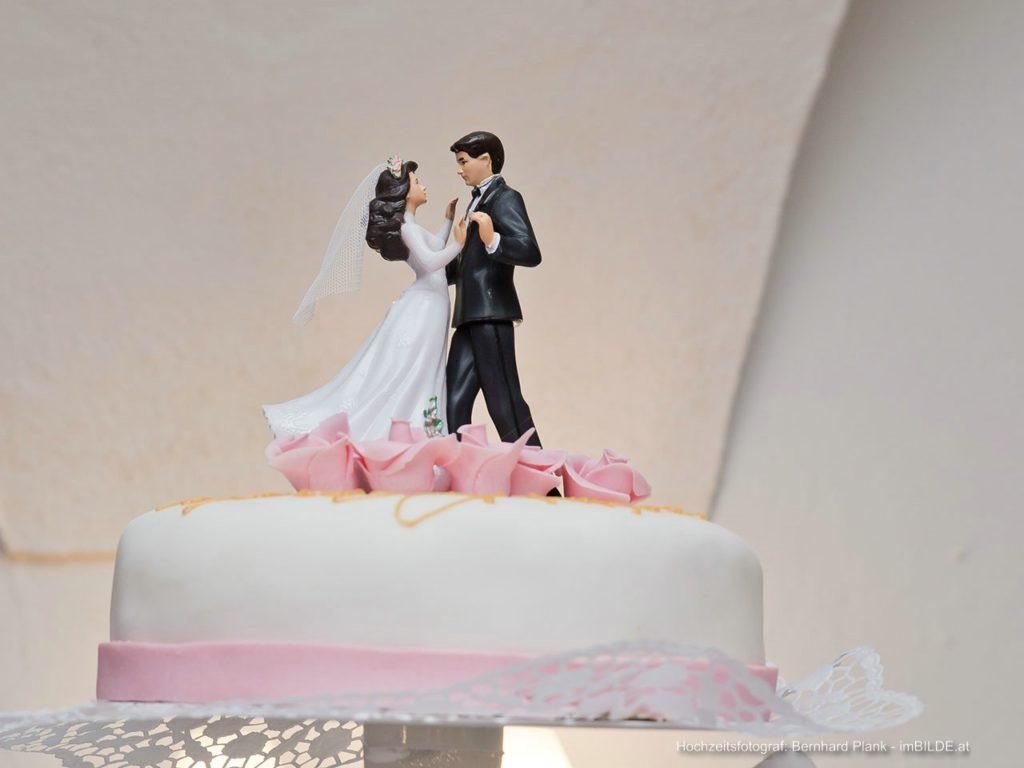 Brautpaar auf der Hochzeitstorte